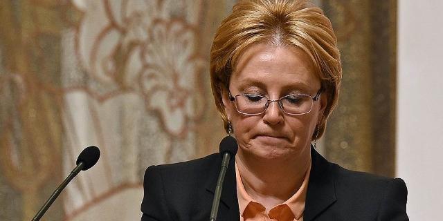 Новый министр зарплатой докторов не ограничится