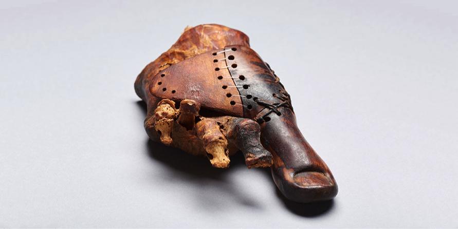 Самый древний протез от дочери священника