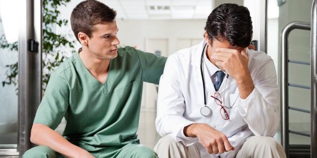 Правительство увеличило объём работы врачей